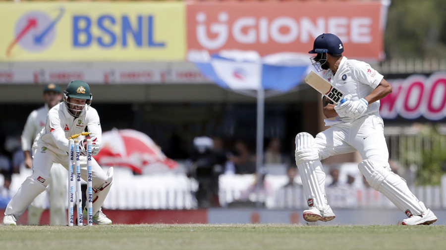 India v Australia 3rd Test: Tourists hold out