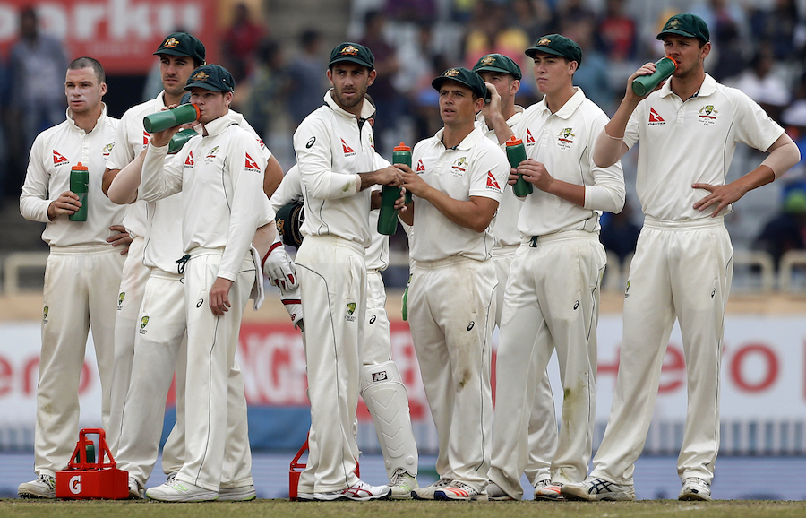 Aussie cricketers threaten strike over pay dispute