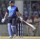 MS Dhoni was bowled by Pragyan Ojha for 70 runs, Bengal v Jharkhand, Vijay Hazare Trophy, semi-final, Delhi, March 18, 2017