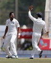 Ishant Sharma and Virat Kohli celebrate the day's first breakthrough, India v Australia, 3rd Test, Ranchi, 5th day, March 20, 2017