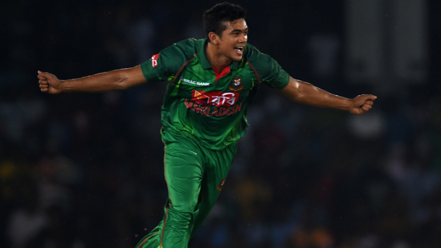 Taskin Ahmed exults after removing Upul Tharanga