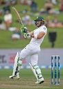 Faf du Plessis swivels after pulling the ball, New Zealand v South Africa, 3rd Test, Hamilton, 1st day, March 25, 2017
