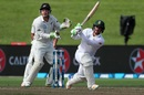 Quinton de Kock slog sweeps powerfully, New Zealand v South Africa, 3rd Test, Hamilton, 2nd day, March 26, 2017