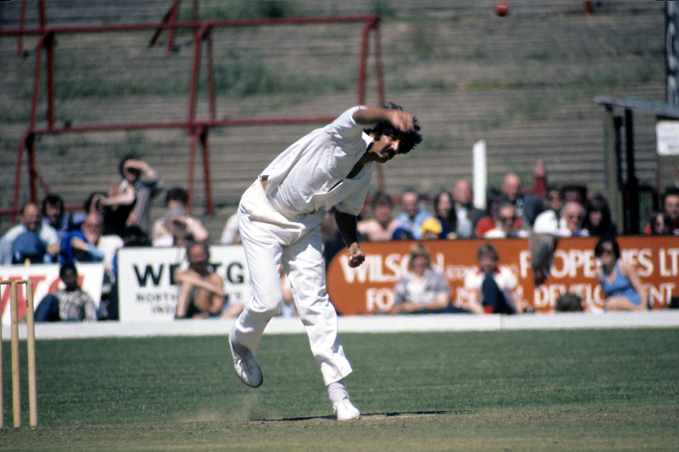 Sarfraz Nawaz, widely held to be one of the progenitors of reverse swing, played for Northamptonshire