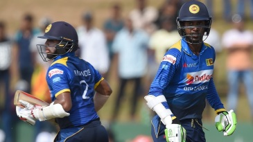 Kusal Mendis and Upul Tharanga put on 111 for the second wicket