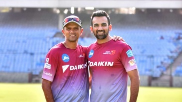 Rahul Dravid and Zaheer Khan at a Delhi Daredevils training session