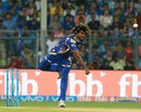 Lasith Malinga started his spell with a pacy yorker on comeback, Mumbai Indians v Kolkata Knight Riders, Mumbai, IPL, April 9, 2017