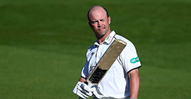 Jonathan Trott celebrates his rearguard century, Surrey v Warwickshire, Specsavers County Championship, 3rd day, The Kia Oval, April 9, 2017