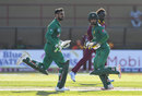 Shoaib Malik and Mohammad Hafeez put on a century stand, West Indies v Pakistan, 3rd ODI, Providence, April 11, 2017