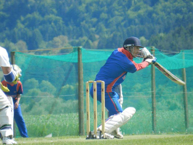 Atef Sohil bats in the nets ahead of a friendly against Velden CC in 2011