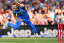Ben Laughlin bowls, Adelaide Strikers v Brisbane Heat, Big Bash League 2016-17, Adelaide, December 21, 2016