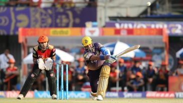 Robin Uthappa muscles the ball over long on for a maximum