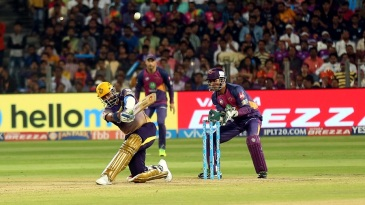 Robin Uthappa launches one over the leg side