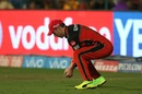 AB de Villiers held on to a catch to dismiss Aaron Finch, Royal Challengers Bangalore v Gujarat Lions, IPL 2017, Bengaluru, April 27, 2017