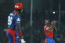 Dhawal Kulkarni held on to a catch off his own bowling to remove Carlos Brathwaite, Gujarat Lions v Delhi Daredevils, IPL 2017, Kanpur, May 10, 2017