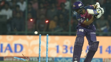 Ajinkya Rahane was bowled by Zaheer Khan in the first ball of the chase