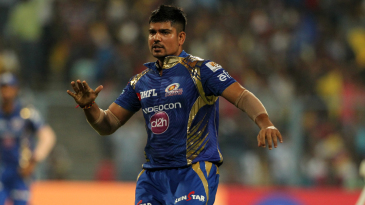Karn Sharma rejoices after dismissing Robin Uthappa
