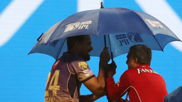 Yusuf Pathan finds shelter in time as rain returns at the M Chinnaswamy Stadium