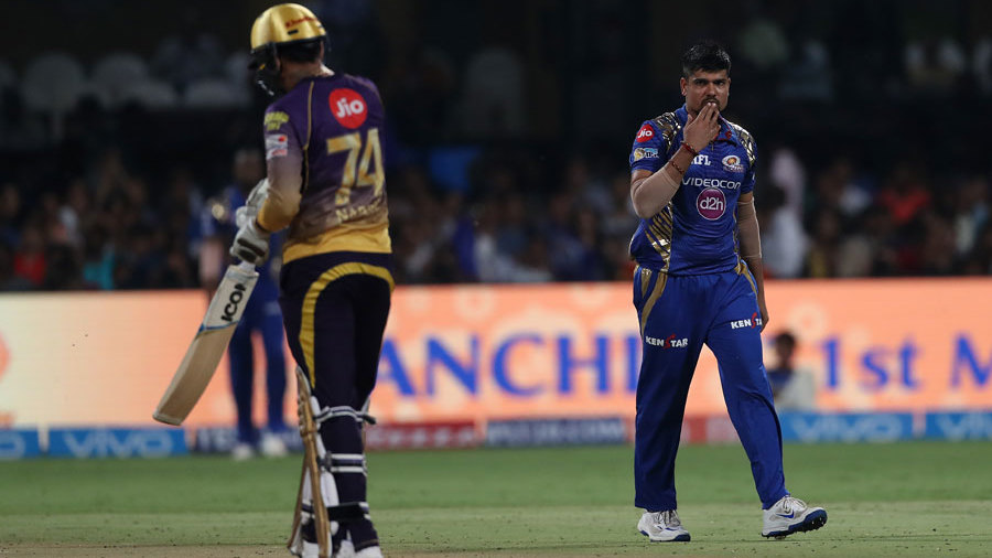 Karn Sharma sends Sunil Narine off with a flying kiss