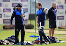 Trevor Bayliss and Eoin Morgan oversee England practice, Headingley, May 22, 2017