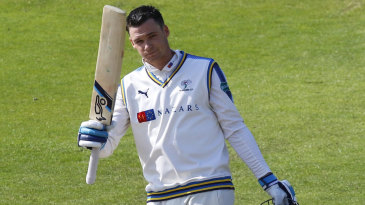 Peter Handscomb smashed a rapid hundred during the evening session