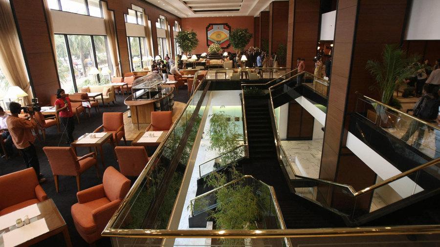 The lobby of the Trident Hotel, Mumbai