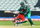 Mushfiqur Rahim gets into a tangle, Bangladesh v Pakistan, Champions Trophy warm-ups, Birmingham, May 27, 2017