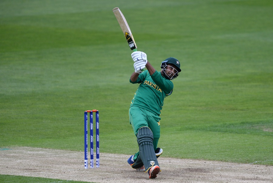 Faheem Ashraf perishes after a quick 23 as Pakistan struggle in their chase of 272