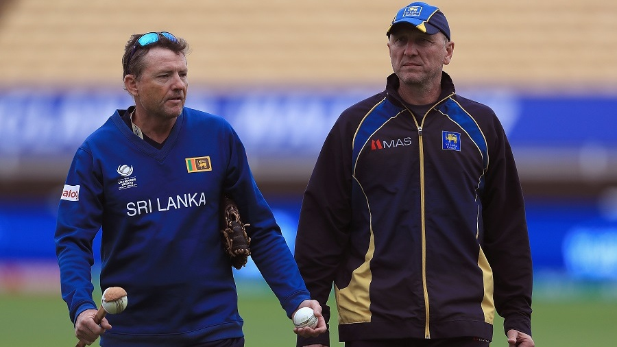 Graham Ford and Allan Donald oversee Sri Lanka's practice session