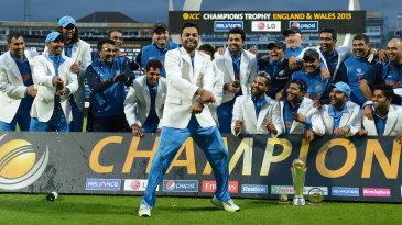 Virat Kohli gets his moves on