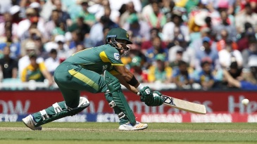JP Duminy gets down for a sweep