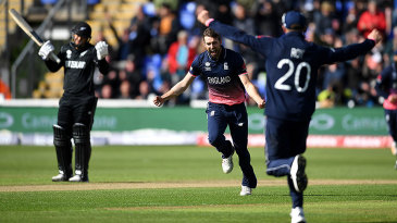 Mark Wood claimed the prized wicket of Kane Williamson for 87