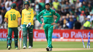 Junaid Khan had a wicket chalked off after bowling Chris Morris with a no-ball