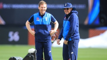 Eoin Morgan and Trevor Bayliss share a lighter moment