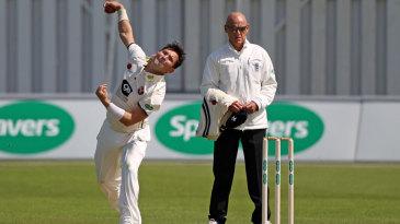Yasir Shah bowls on his Kent debut
