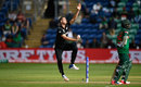 Tim Southee jumps into his delivery stride, New Zealand v Bangladesh, Group A, Champions Trophy 2017, Cardiff, June 9, 2017