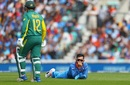 Virat Kohli ponders his missing a direct hit, India v South Africa, Champions Trophy 2017, Group B, The Oval, London, June 11, 2017