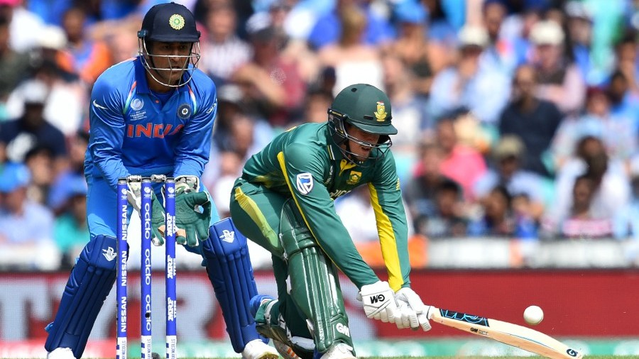 Quinton de Kock opted for cross-batted options against spin, India v South Africa, Champions Trophy 2017, Group B, The Oval, London, June 11, 2017