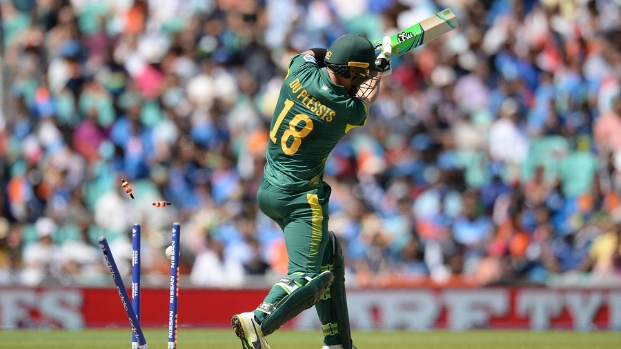 For the second time in two matches, Faf du Plessis played onto his stumps, India v South Africa, Champions Trophy 2017, Group B, The Oval, London, June 11, 2017