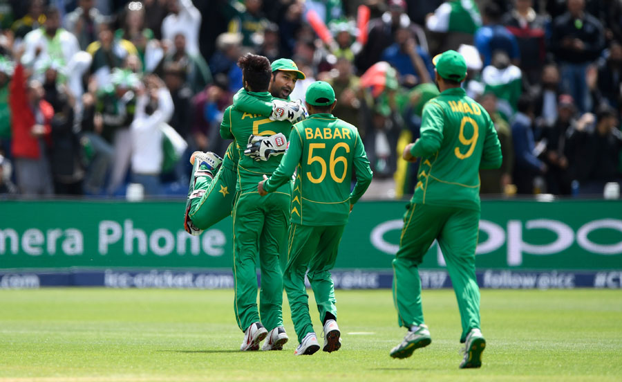 Pakistan ask SL to bat in Champions Trophy decider