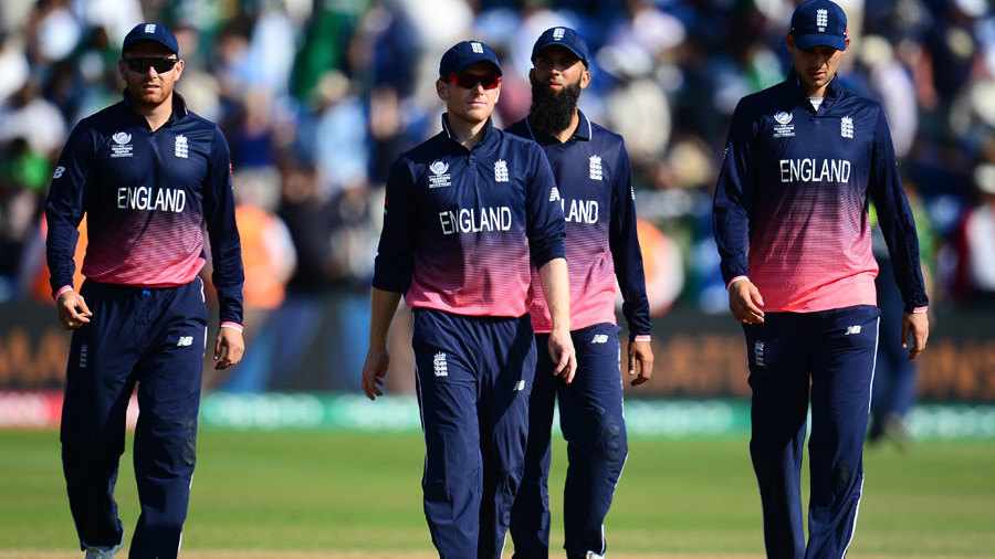 Eoin Morgan and his men contemplate a heavy defeat, England v Pakistan, Champions Trophy, 1st semi-final, Cardiff, June 14, 2017