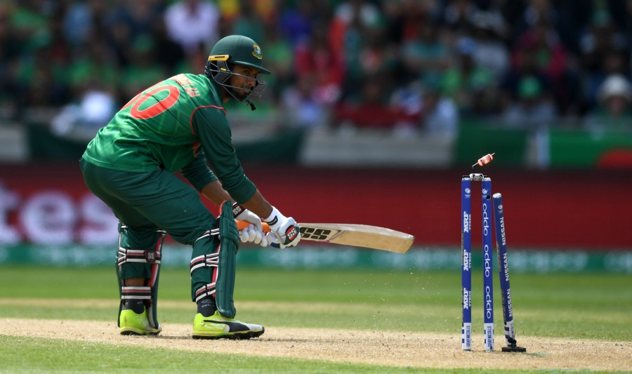 Mahmudullah's off stump is uprooted by a Jasprit Bumrah yorker, Bangladesh v India, Champions Trophy 2017, Edgbaston, June 15, 2017