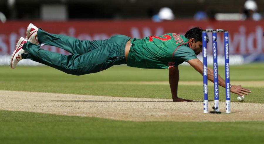 Mashrafe Mortaza put in a spirited opening spell, Bangladesh v India, Champions Trophy 2017, Edgbaston, June 15, 2017