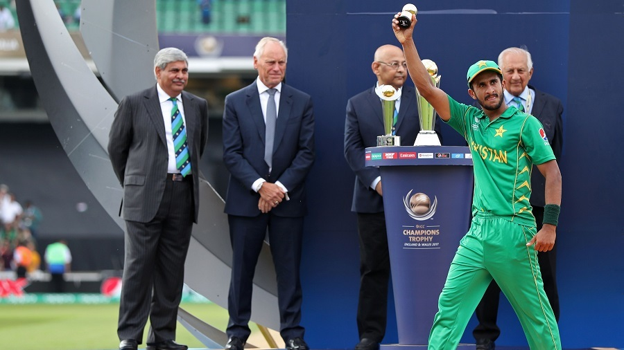 Hasan Ali holds aloft the golden ball award, India v Pakistan, Final, Champions Trophy 2017, The Oval, London, June 18, 2017