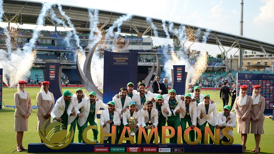 The victorious Pakistan team lift the Champions Trophy, India v Pakistan, Final, Champions Trophy 2017, The Oval, London, June 18, 2017