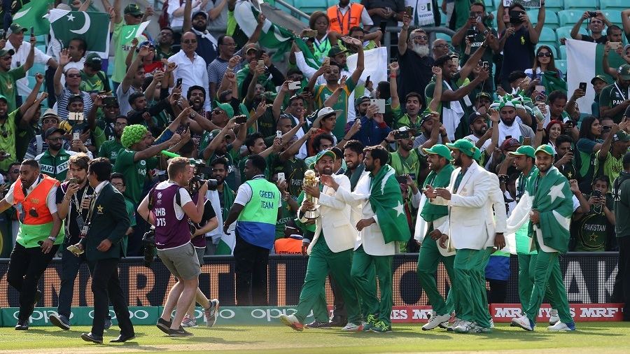 2017 ICC Champions Trophy: Pakistan Fans Enjoy Win Over India With Gunfire And Sweets 1