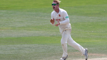 Simon Harmer chipped in with vital wickets