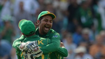 Sarfraz Ahmed and Shoaib Malik celebrate the final wicket