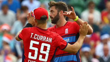 Liam Plunkett gets a high five