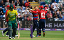 Tom Curran claimed the early wicket of Reeza Hendricks, England v South Africa, 3rd T20I, Cardiff, June 25, 2017